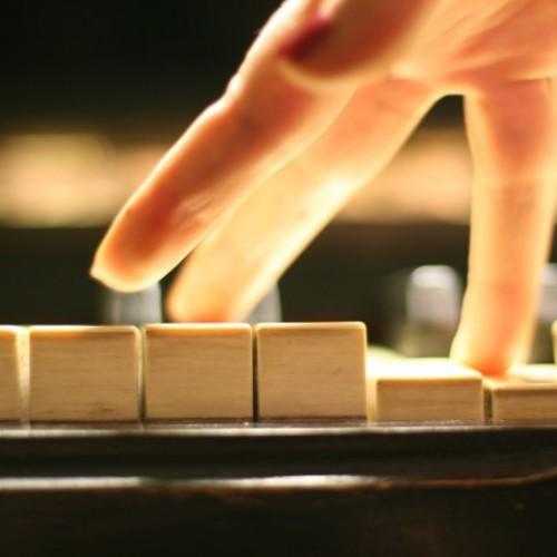 為何孩子學琴進步緩慢?