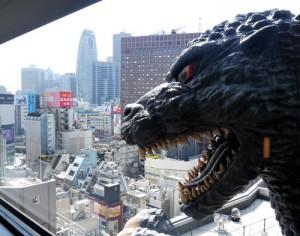 日本新宿Godzilla 酒店, 8樓戶外露台、有達12米的Godzilla大頭非常搶眼