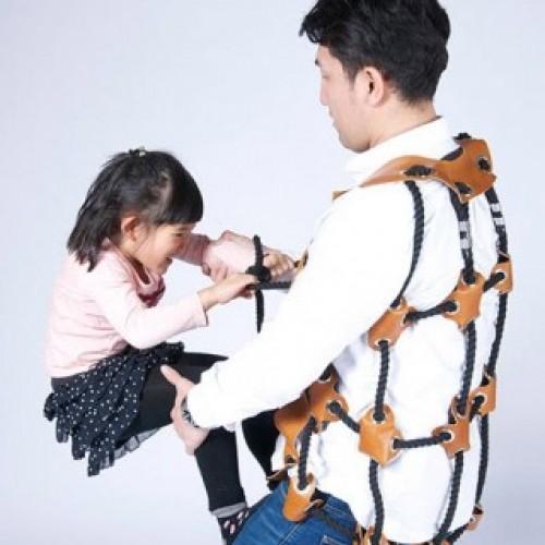 日本「攀爬背心」‧爸爸必備