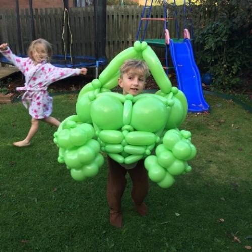 "超級英雄""Balloon costume""‧走紅Halloween"