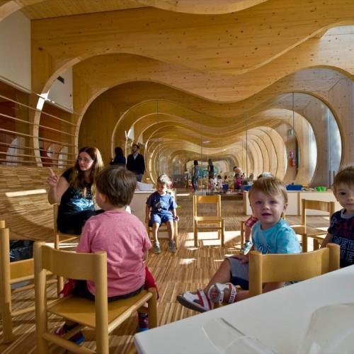 意大利得獎幼兒園.以「空間」啟發幼童