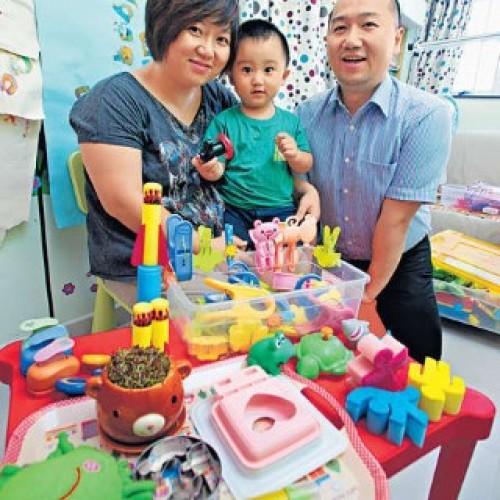 12蚊店搜購玩具‧訓練手指準備自理
