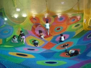 「繩網」遊樂場 ‧ 遊日親子必去 五彩繽紛的繩網