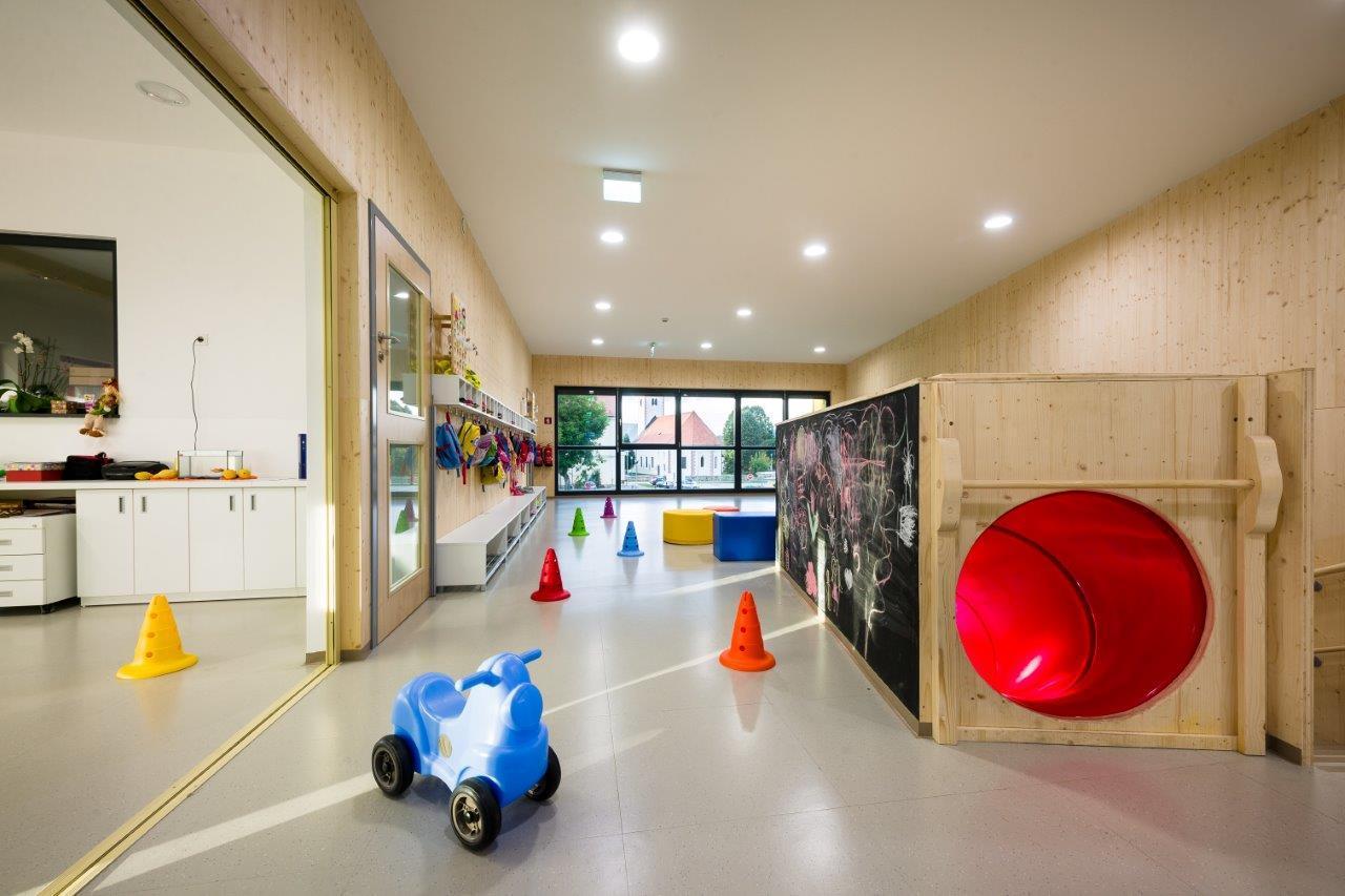 幼儿园水管墙面装饰图片