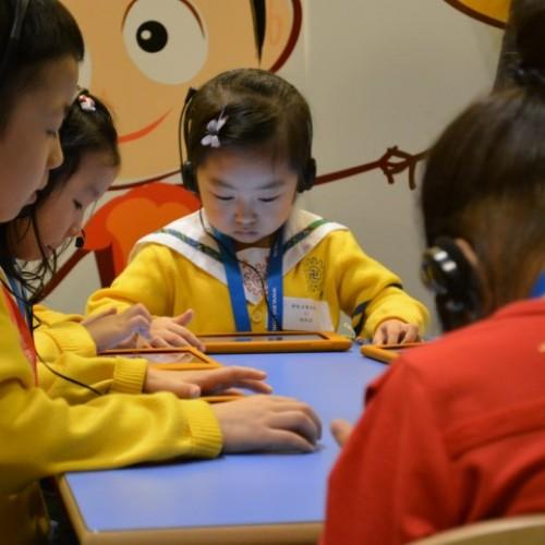 玩平板電腦‧幼兒語言發展4助力