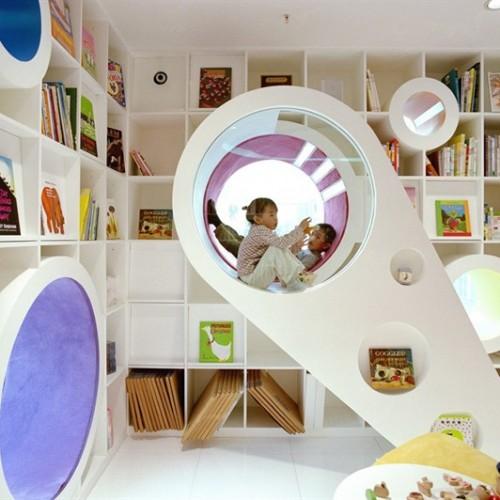 七彩「太空艙」繪本館‧吸引小朋友閱讀