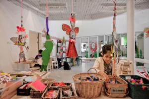 兒童中心設有手作室, 比小孩子盡情幻想同探索