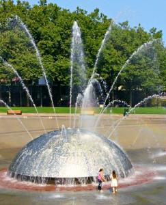 西雅圖的「Artists-at-Play」遊樂場 大型噴水池