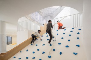 韓國Playground攀石牆
