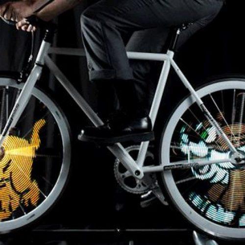 單車轆「播動畫」.親子「踩夜車」超型!