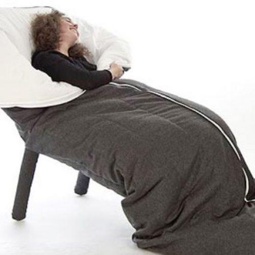「蠶繭沙發櫈」由頭包到腳.親子玩「冬眠」