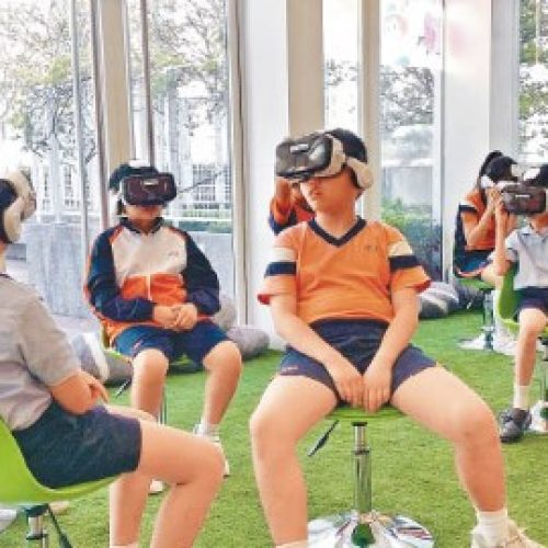 玩VR當獎勵 小學新招誘閱讀