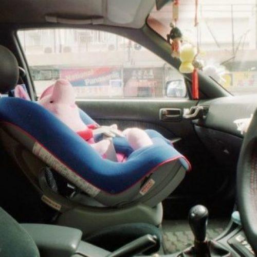 運輸署倡私家車前後座 強制使用兒童安全裝置