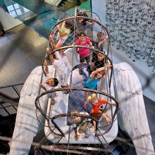 一等一好玩博物館 ‧ 爬入大鳥籠、塗鴉巨型火箭……