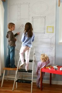 親子「框中畫」‧幼兒「天馬行空」大躍進