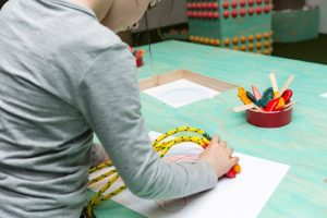 特製「蠟筆鞋、頭盔」畫畫‧親子去@海港城