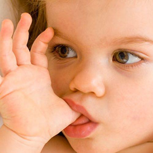 我們有需要阻止小朋友啜食手指嗎?