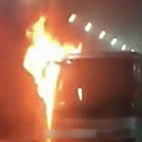 幼稚園校巴在隧道內起火焚毀, 11名幼稚園學生亡, 為他們哀悼