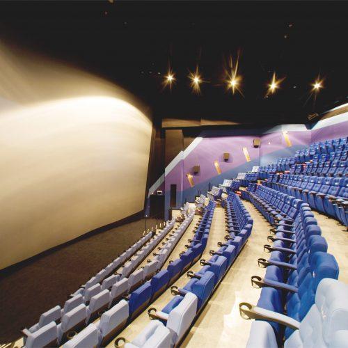 戲院換幕過程係點樣? 你想知, 一齊嚟UA IMAX換幕吧!