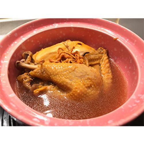 《蟲草花馬蹄雞湯》美味的感冒雞湯